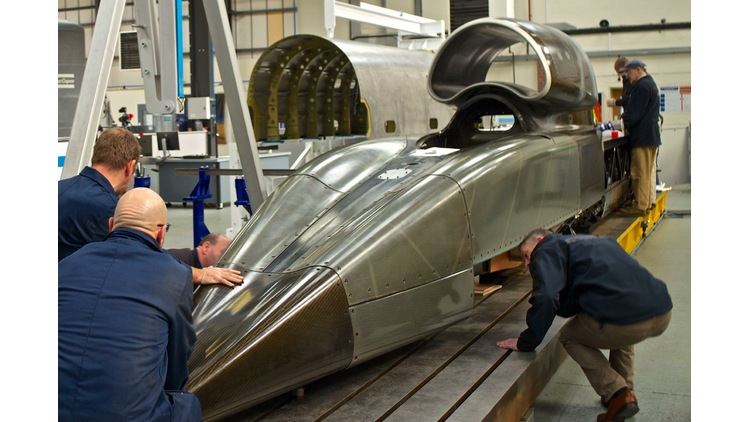 Master Abrasives supports BLOODHOUND SSC