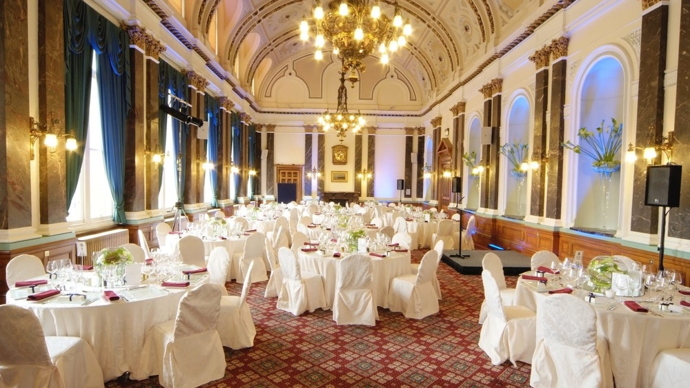 Birmingham Council House tables for dinner 1b