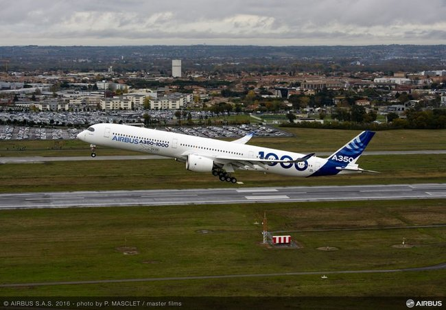 Airbus A350 1000 first flight